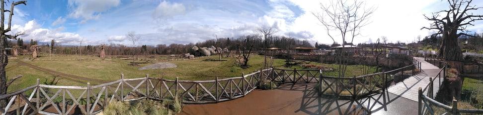 Panorama-Blick vom Steg in der Lewa Savanne.