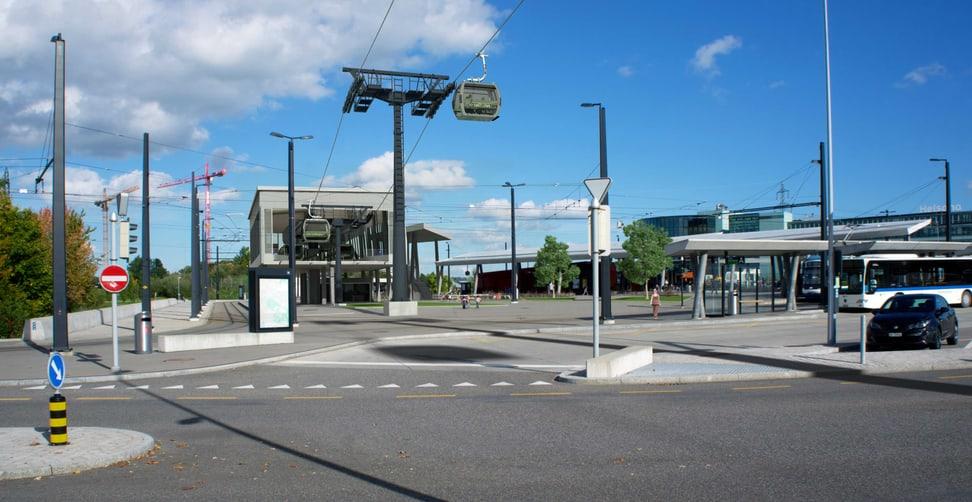Talstation der Zooseilbahn am Bahnhof Stettbach