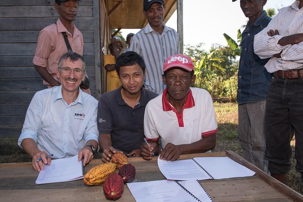Vertragsunterzeichnung Kakao-Kooperative Coprocavol.